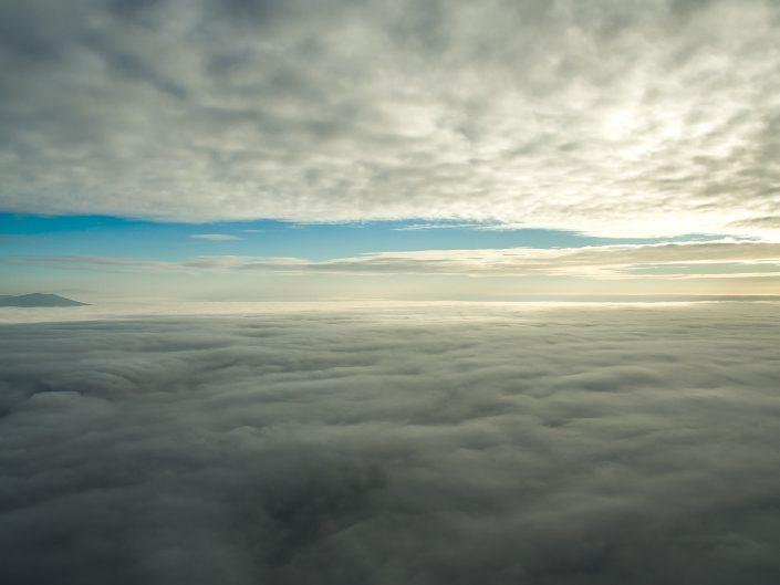 Krátky prelet nad hmlou